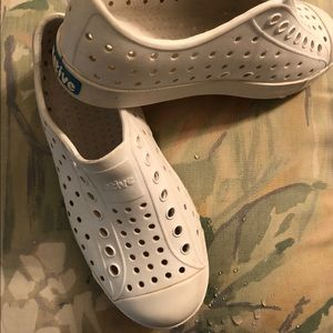 Native Jefferson White Water Shoes C13